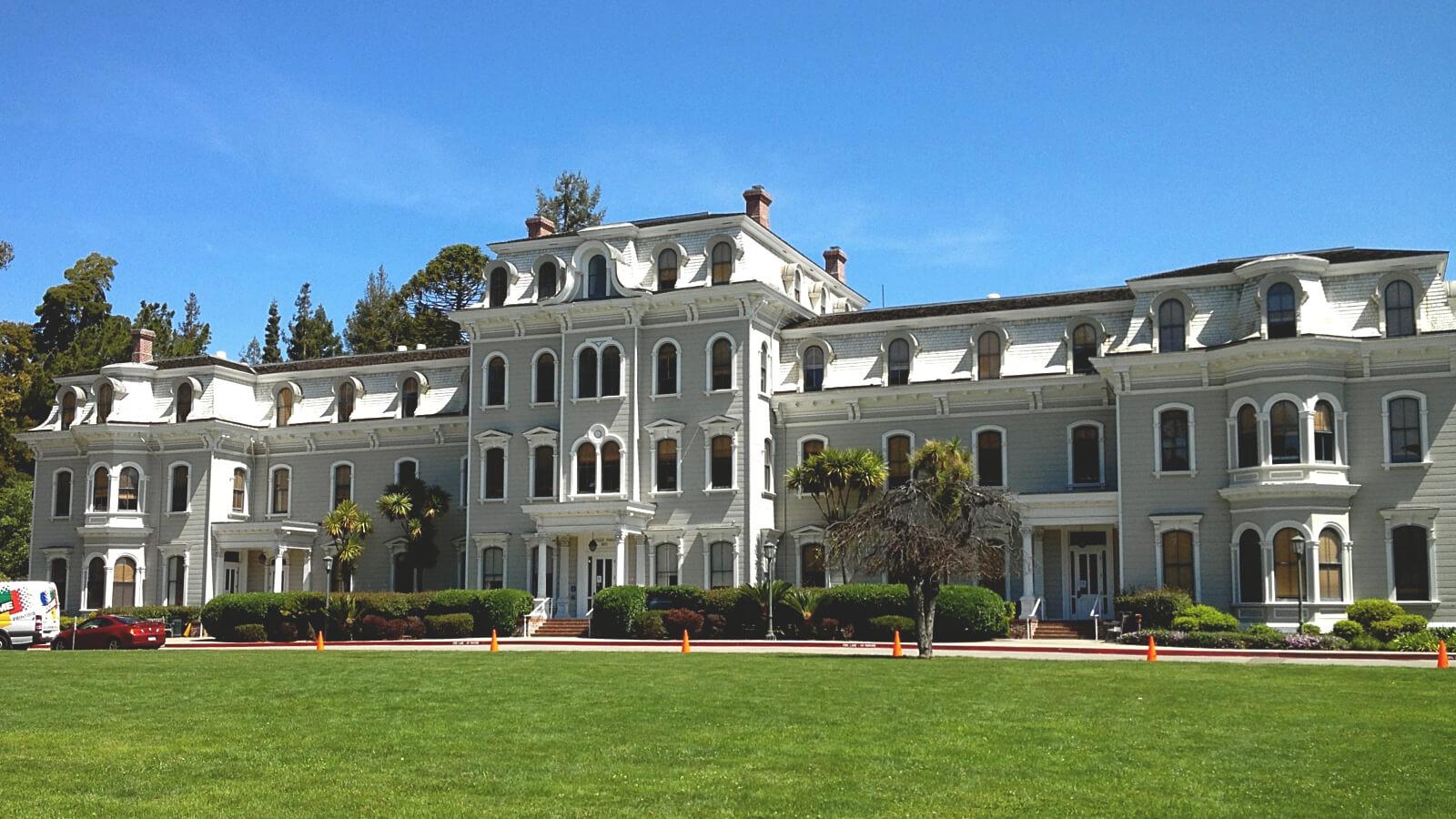 Colleges in California